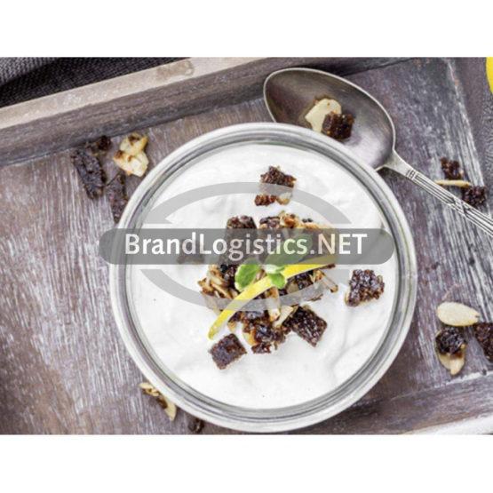 Zitronencreme mit Minze und Pumpernickel-Mandel-Crunch