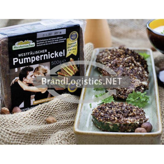 Zucchini mit Pumpernickelpanade und Joghurtdip