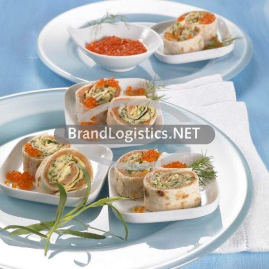 Frühstücks-Wraps mit Kräuterrührei und Räucherlachs