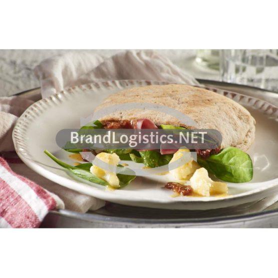 Gefüllte Pita-Taschen mit Spinat-Blumenkohl-Salat in Mandelpesto