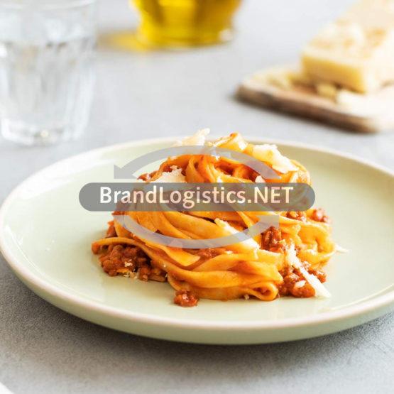 Tagliatelle nach Bolognese-Art mit Zucchini