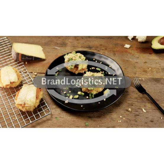 Blumenkohl-Käse-Pflanzerl mit Avocado und Mandeln