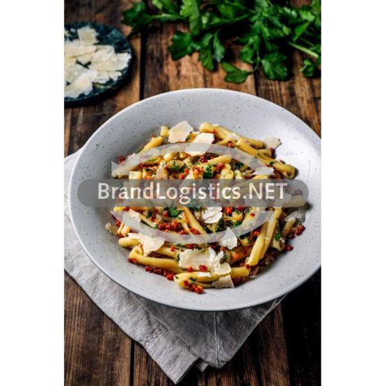 Barilla Collezione Casarecce mit karamellisierten Zwiebeln & Speck